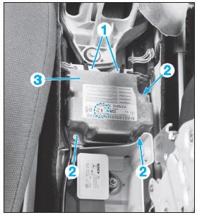 revue technique automobile mercedes benz classe b d pose repose du calculateur d 39 airbags d. Black Bedroom Furniture Sets. Home Design Ideas
